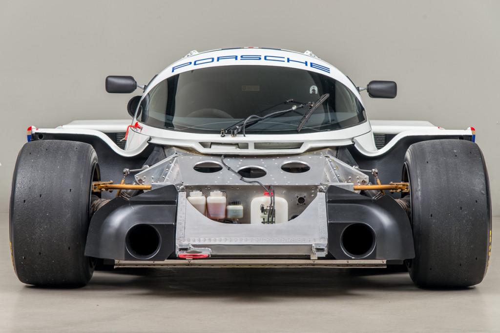 85 Porsche 962C 17