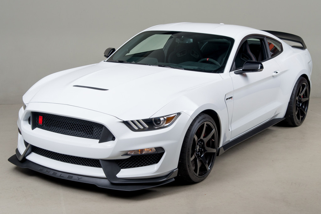 15 Shelby GT350R 01