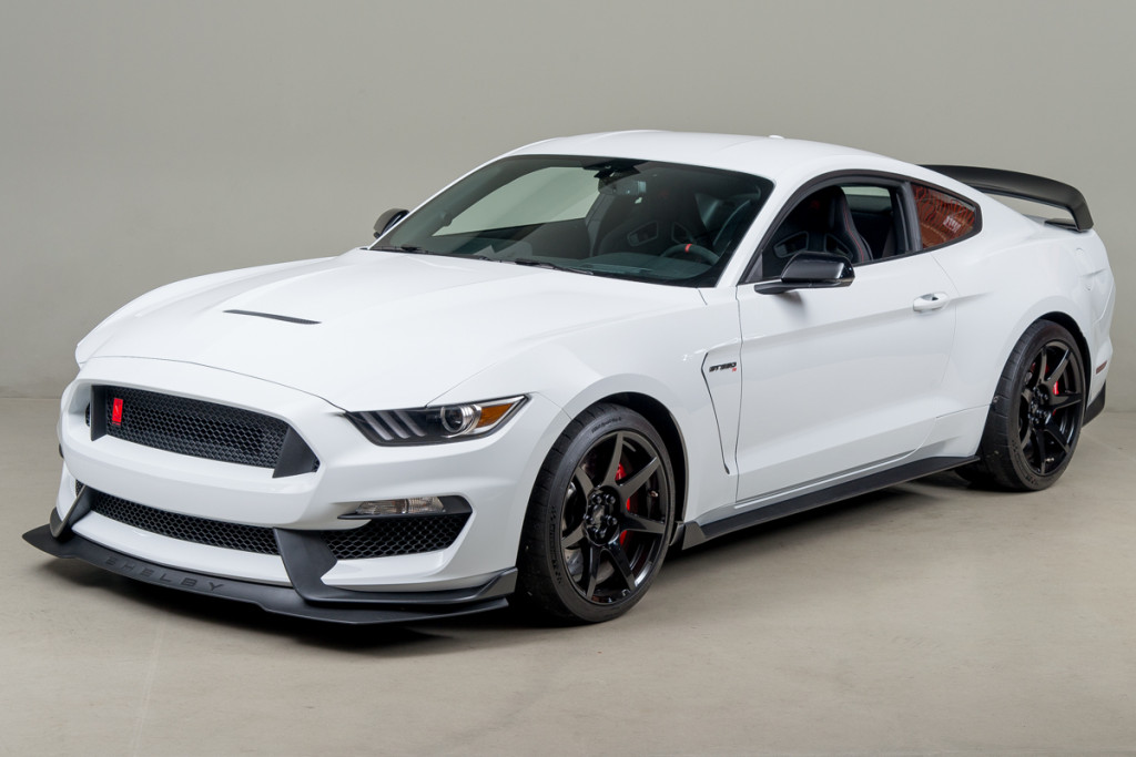 15 Shelby GT350R 02