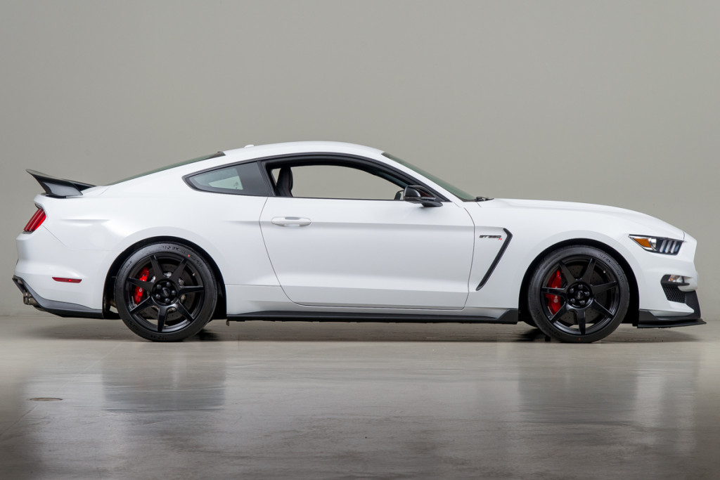 15 Shelby GT350R 04