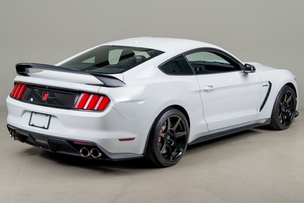 15 Shelby GT350R 05