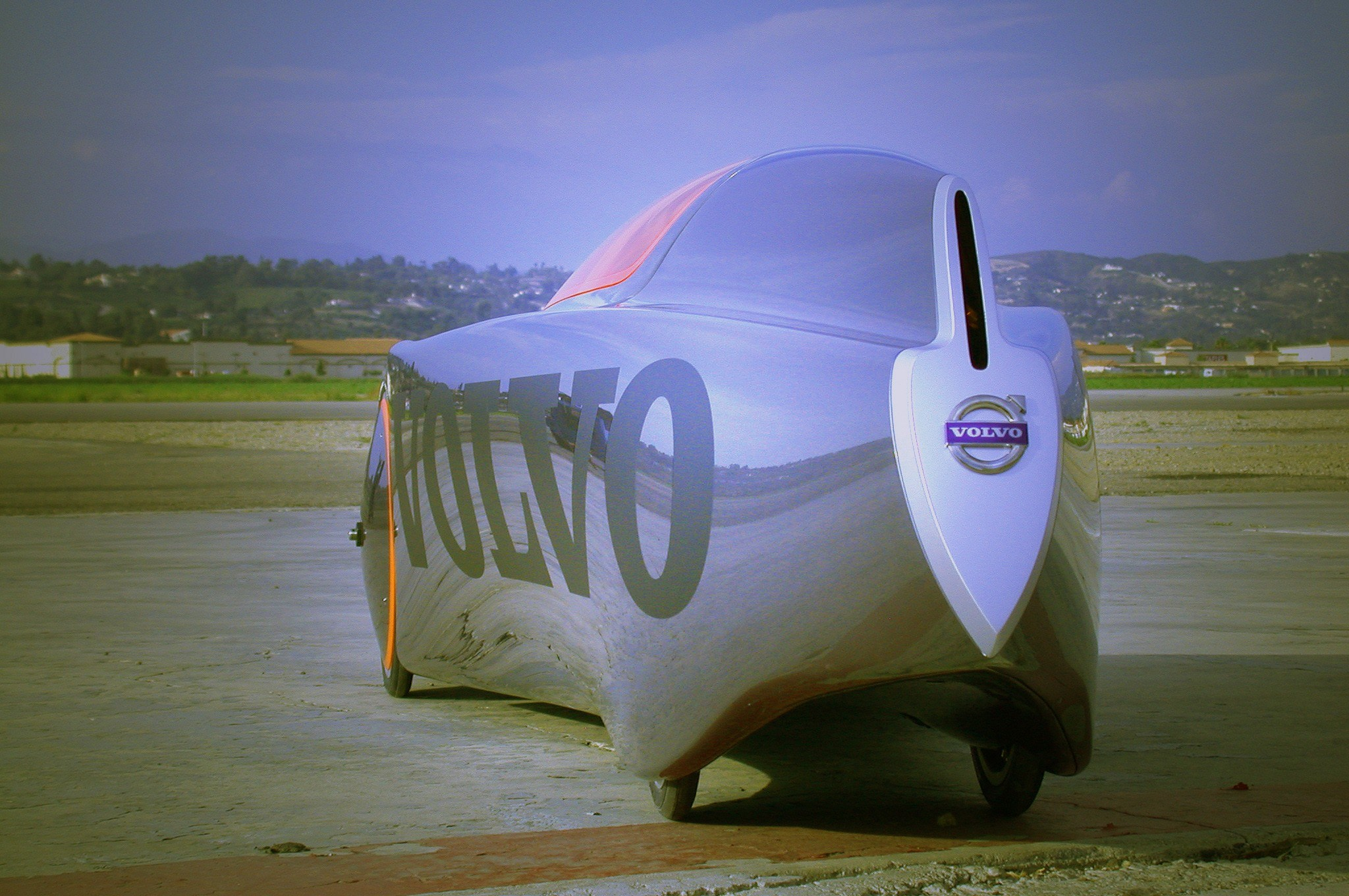 9363_Volvo_Extreme_Gravity_car