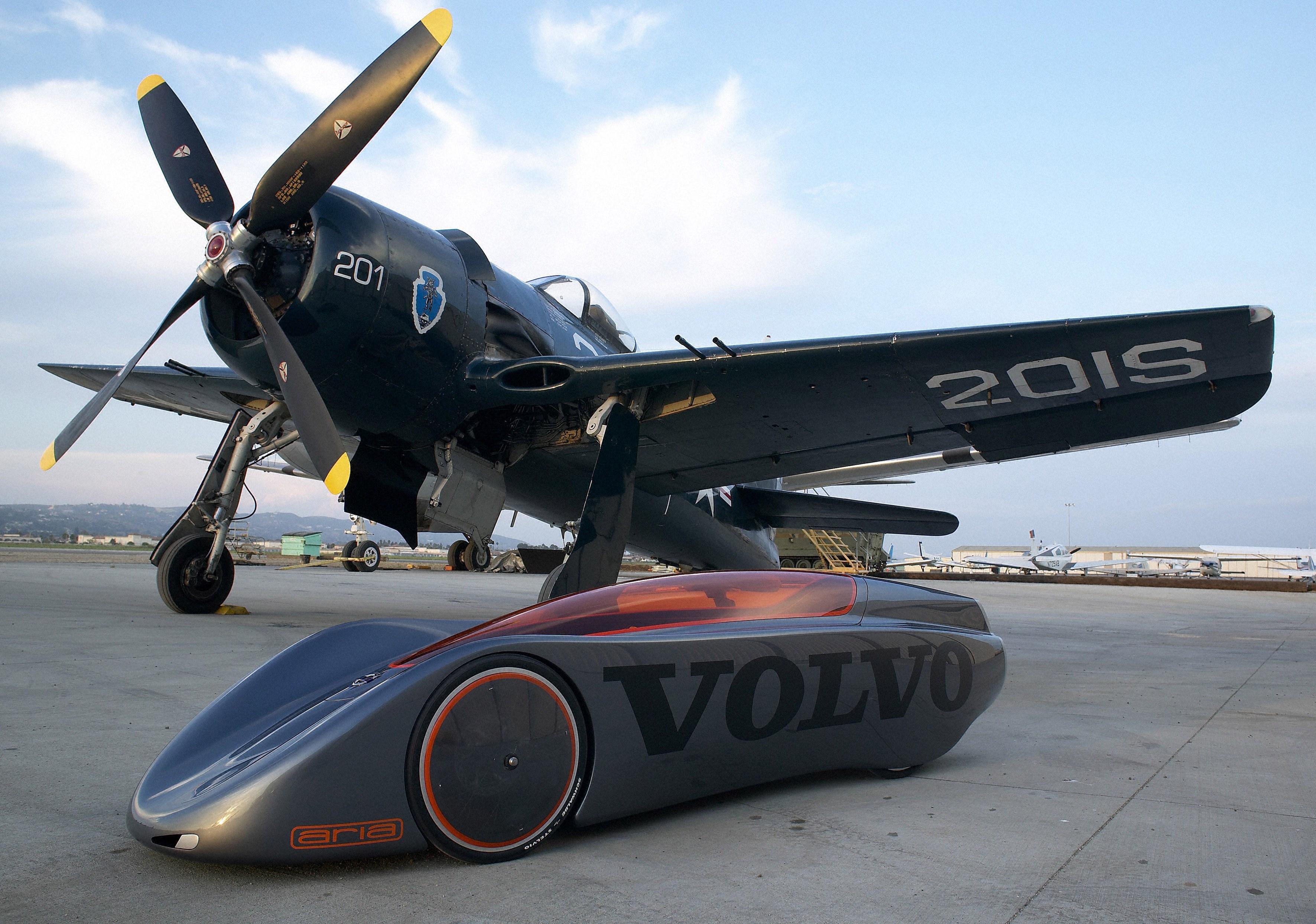 9364_Volvo_Extreme_Gravity_car