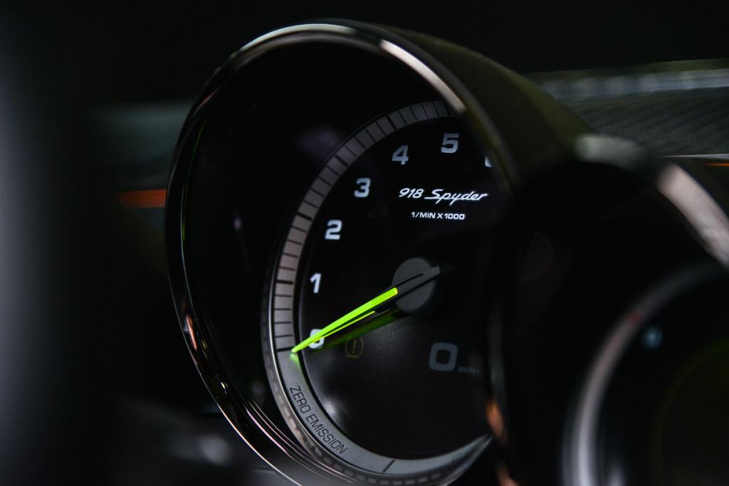 15 Porsche 918 Spyder 27