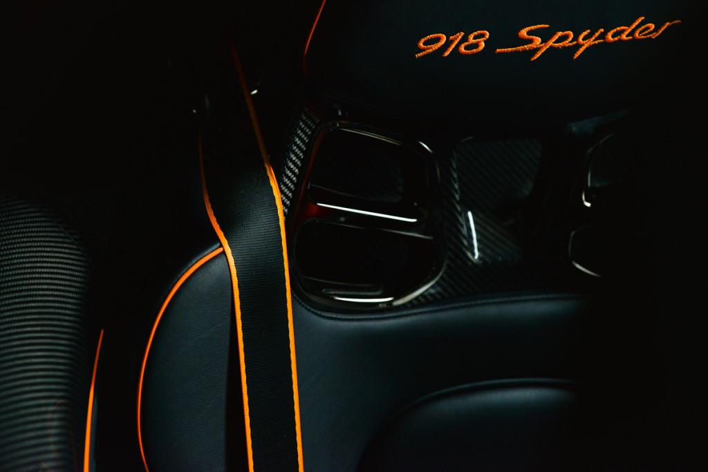 15 Porsche 918 Spyder 29