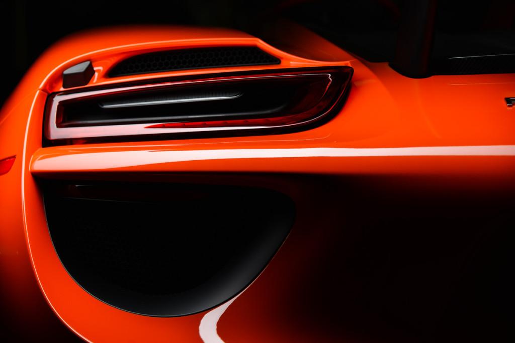 15 Porsche 918 Spyder 36