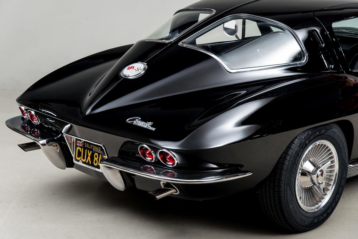 100 1963 Chevrolet Corvette Sting Ray 1963