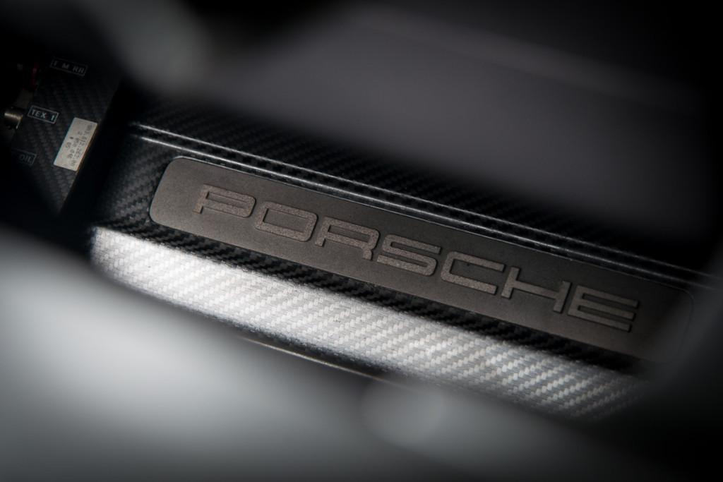 00 Porsche Carrera GT Prototype 42