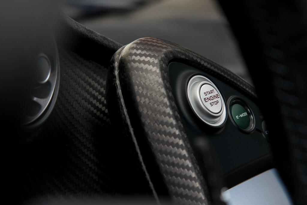 14 McLaren P1 57