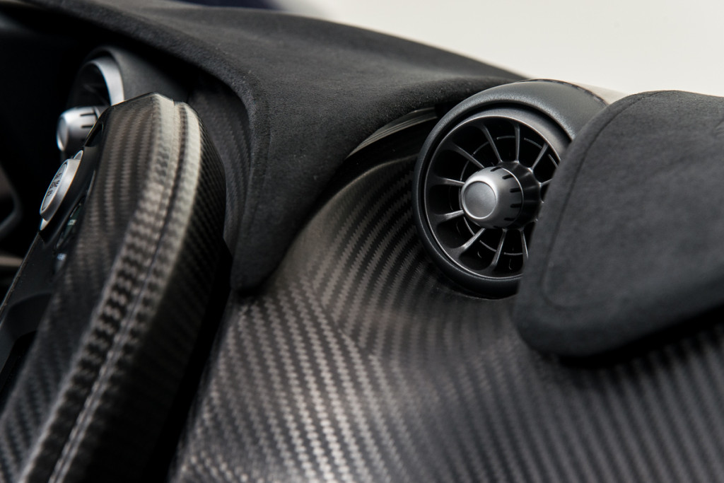 14 McLaren P1 60
