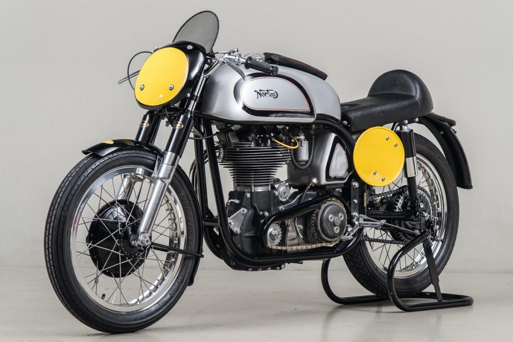 53 Norton Manx 02