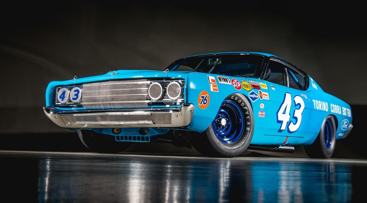 69 Ford Torino 001