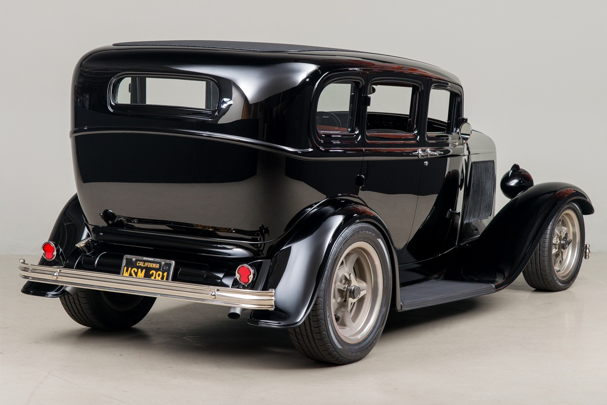 32 Ford Fordor 05