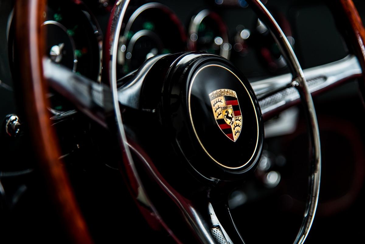 64 Porsche Carrera 2 44