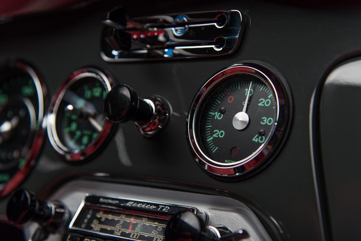 64 Porsche Carrera 2 49
