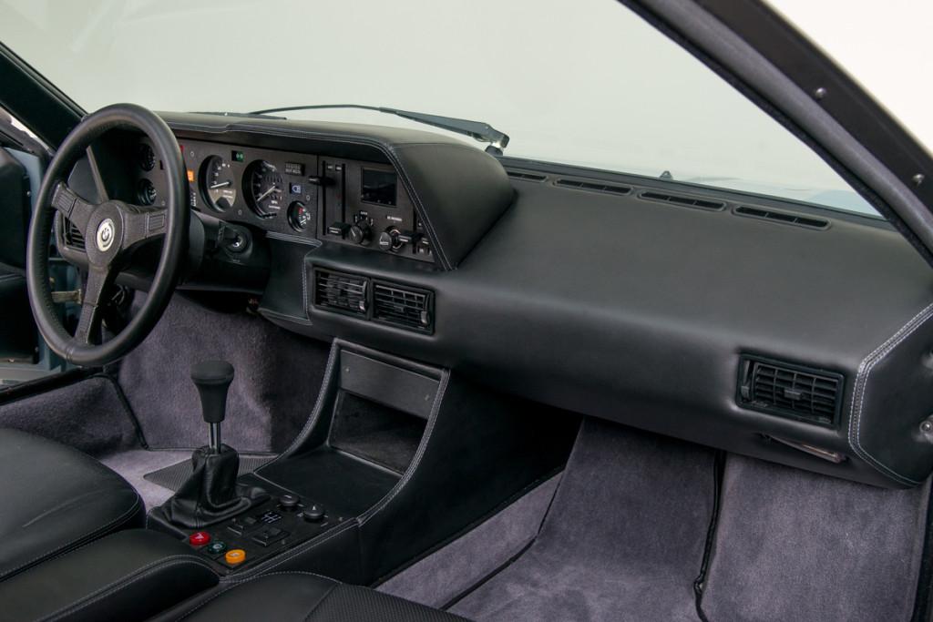 79 BMW M1 14