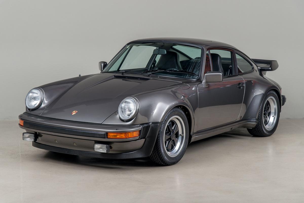 79 Porsche 911 Turbo 02