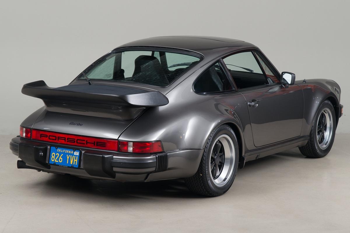 79 Porsche 911 Turbo 05