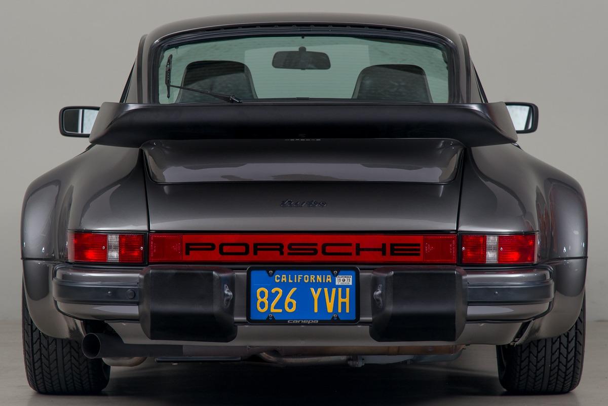 79 Porsche 911 Turbo 07