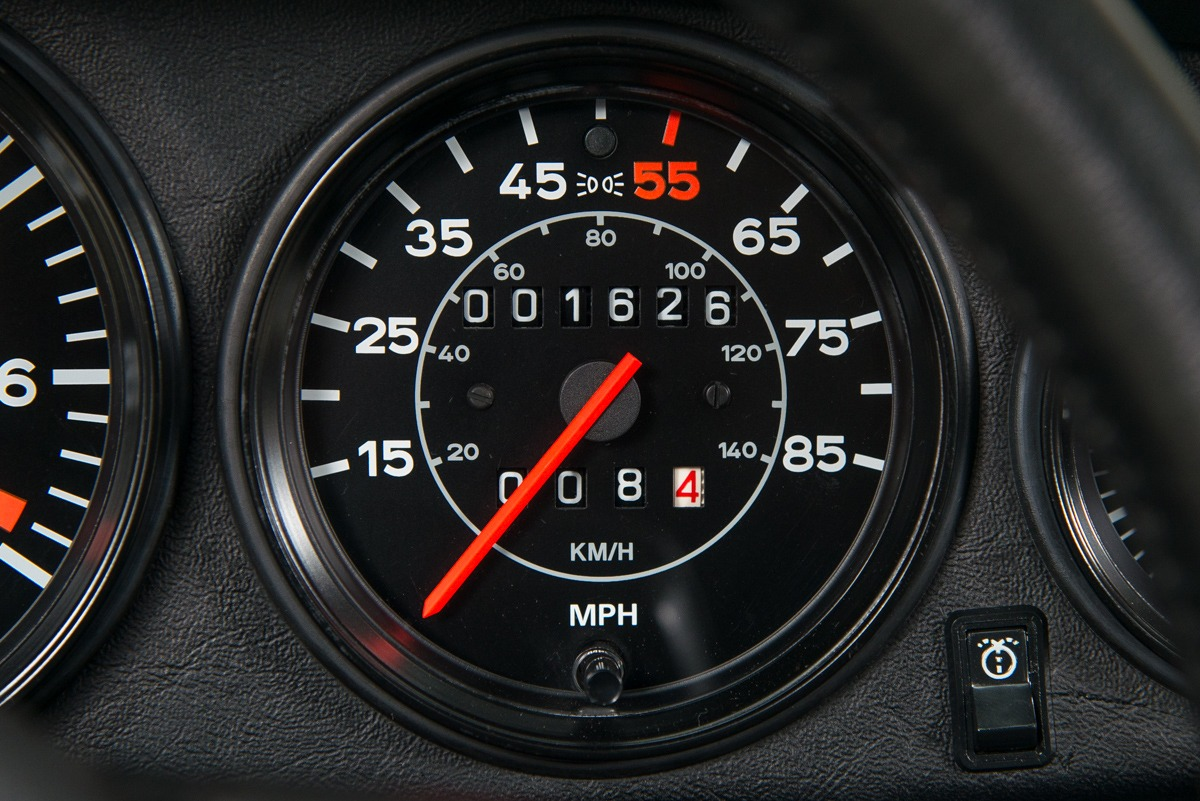 79 Porsche 911 Turbo 29