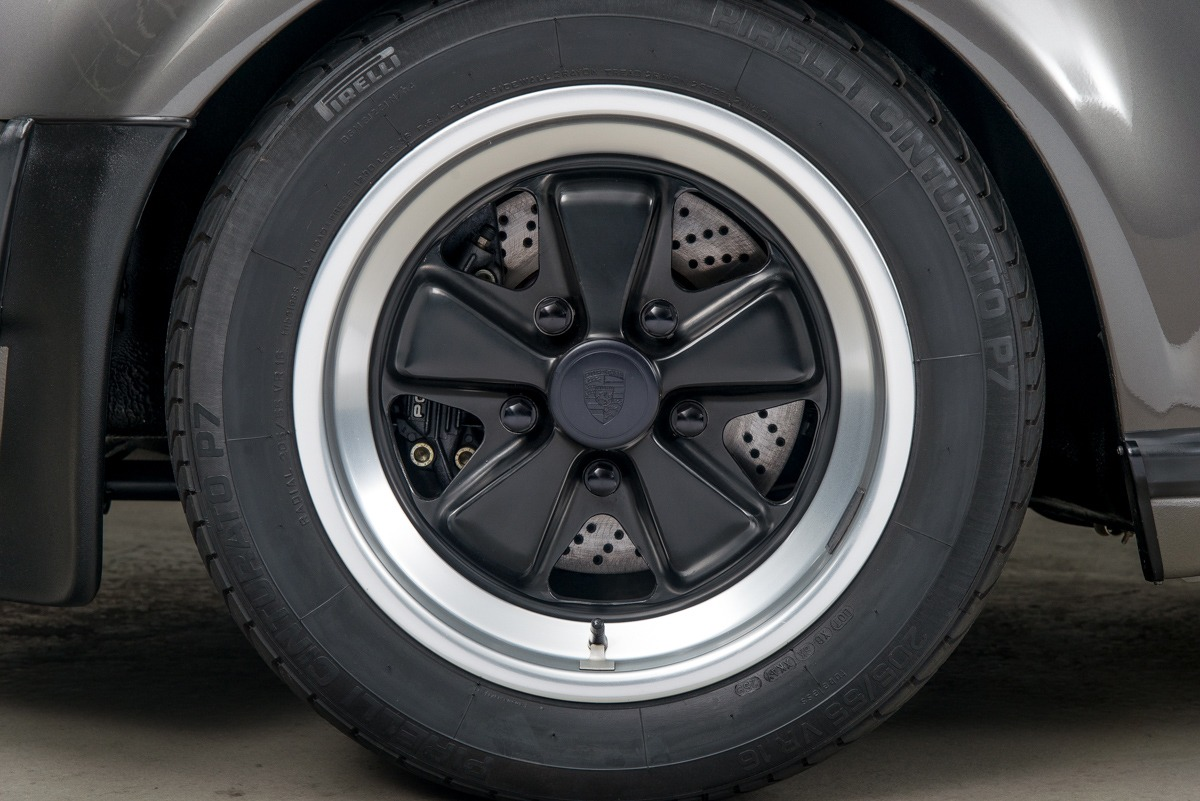 79 Porsche 911 Turbo 39