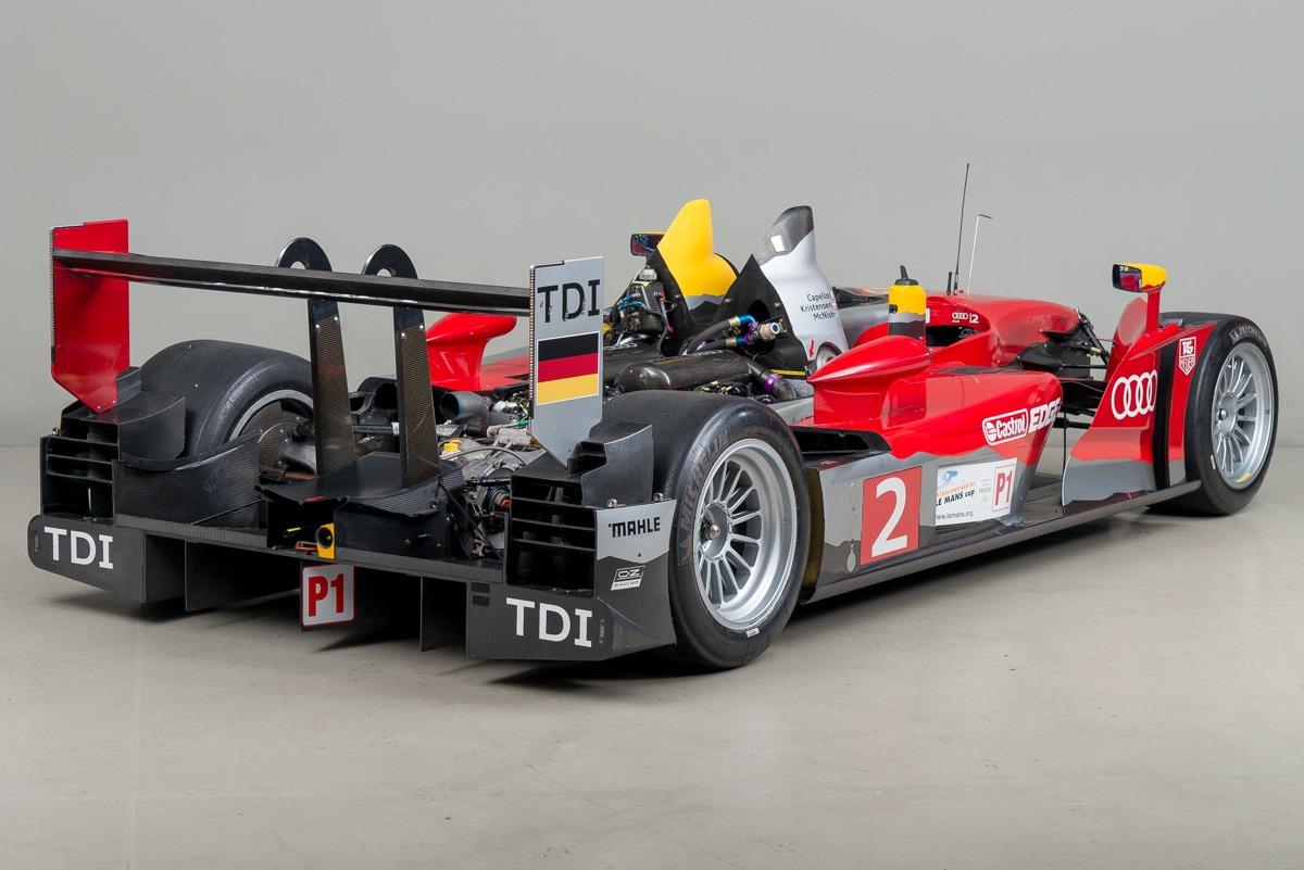 09 Audi R15 14