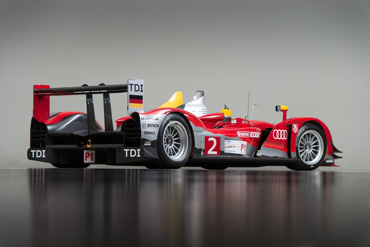 09 Audi R15 43