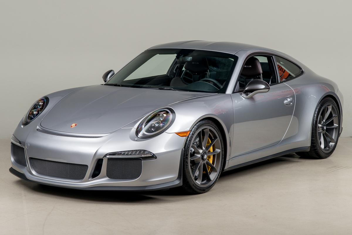 16 Porsche 911R 02