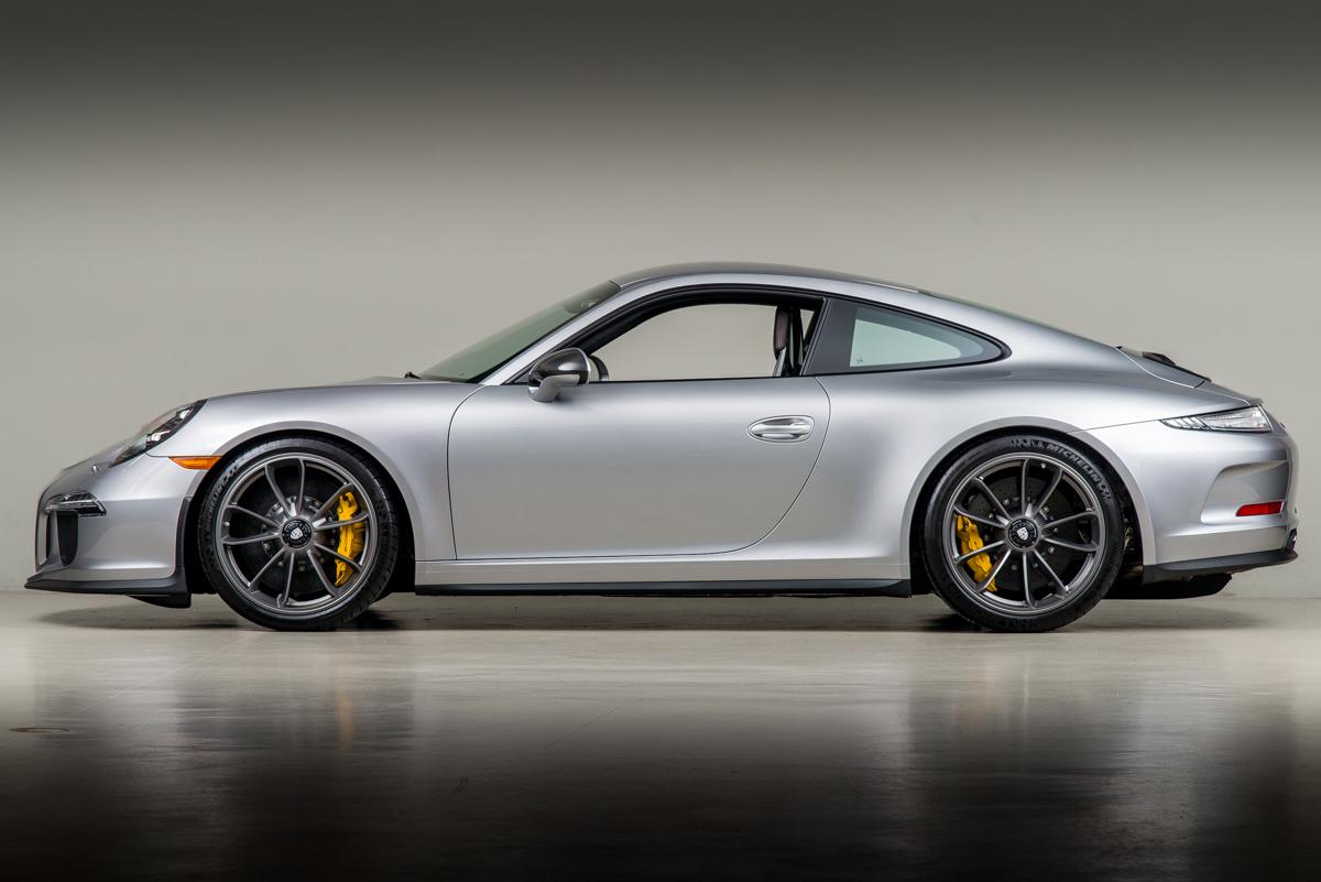 16 Porsche 911R 03