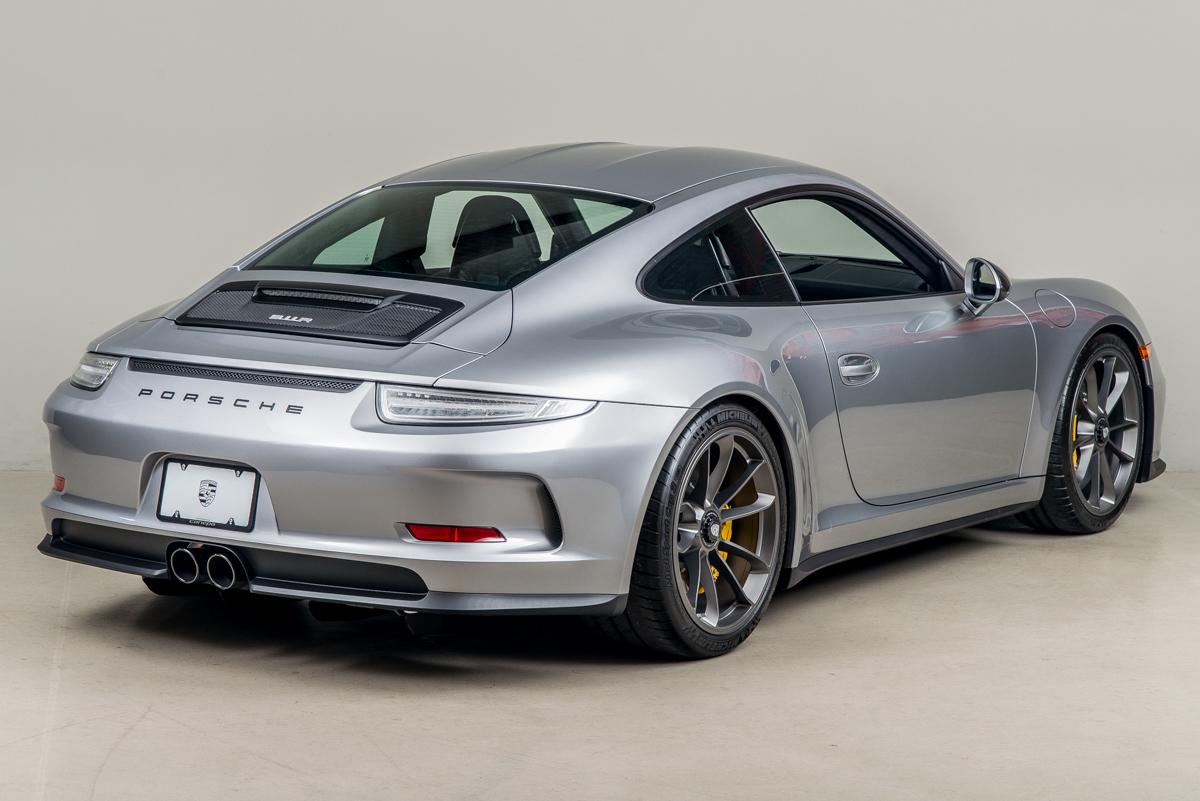 16 Porsche 911R 05
