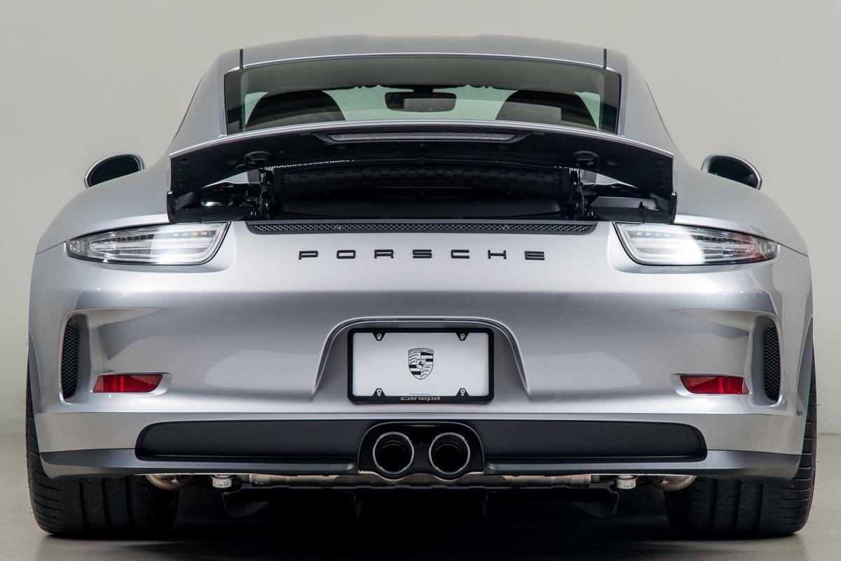 16 Porsche 911R 08