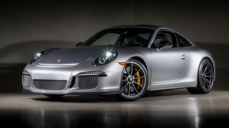 16 Porsche 911R 35