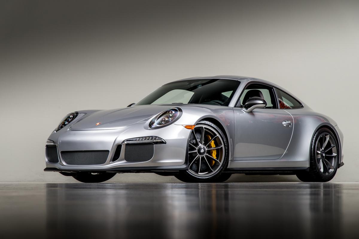 16 Porsche 911R 36