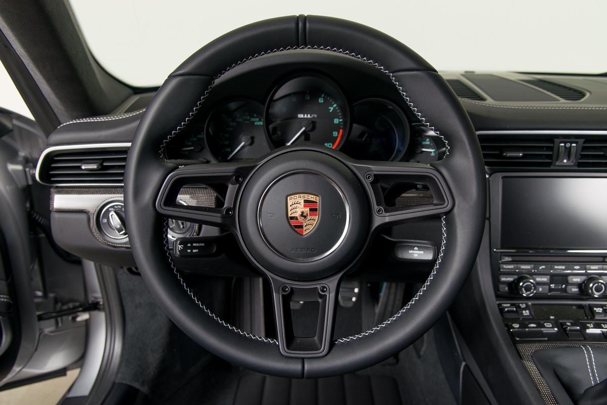 16 Porsche 911R 51