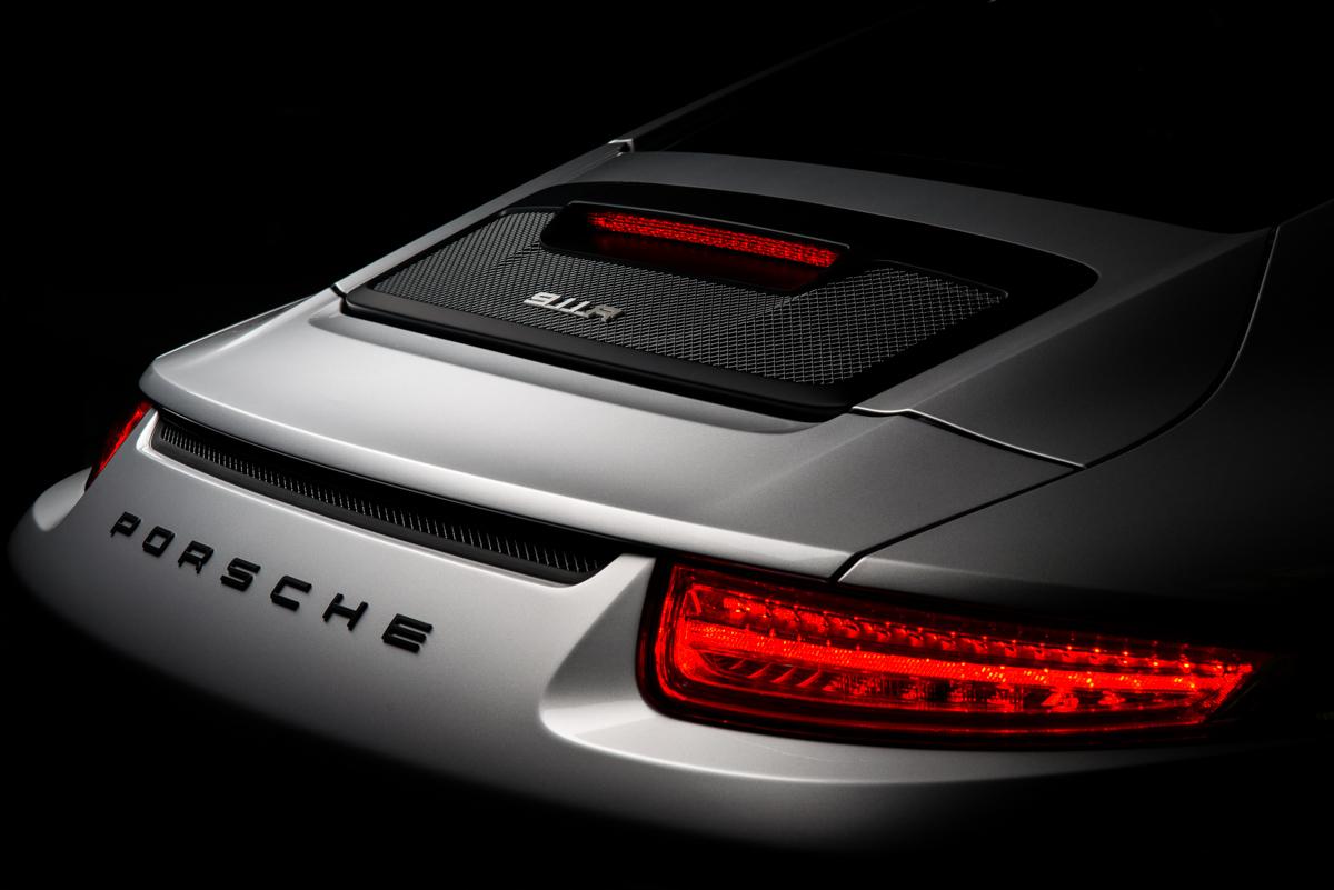 16 Porsche 911R 60