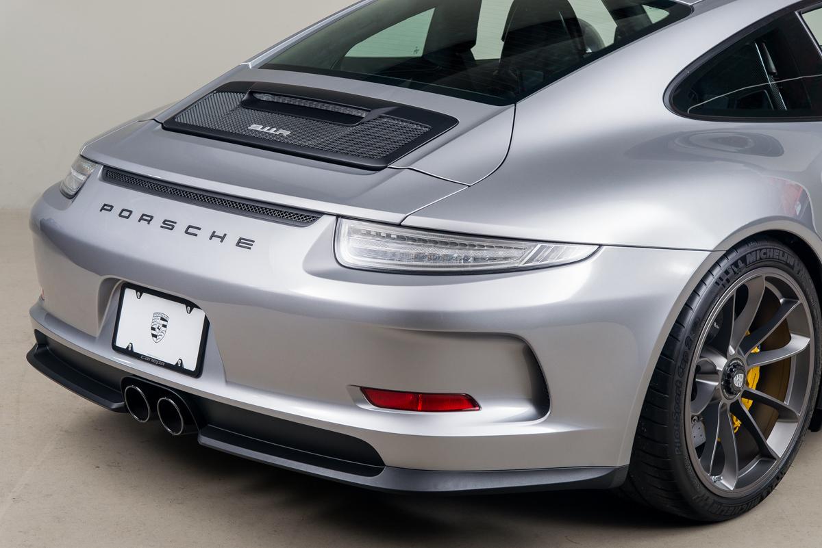 16 Porsche 911R 61