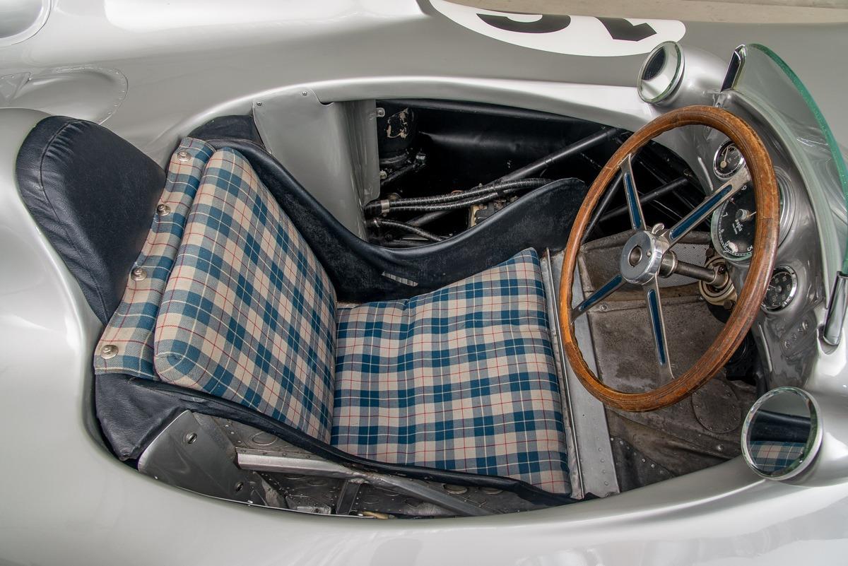 54 Mercedes W196 09